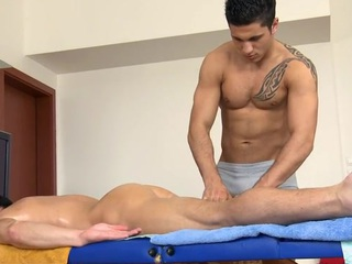 Chap-fallen stump gets his constricted anal canal explored off out of one's mind masseur